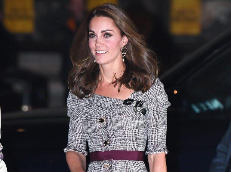 Kate deslumbra con su look más impresionante en meses