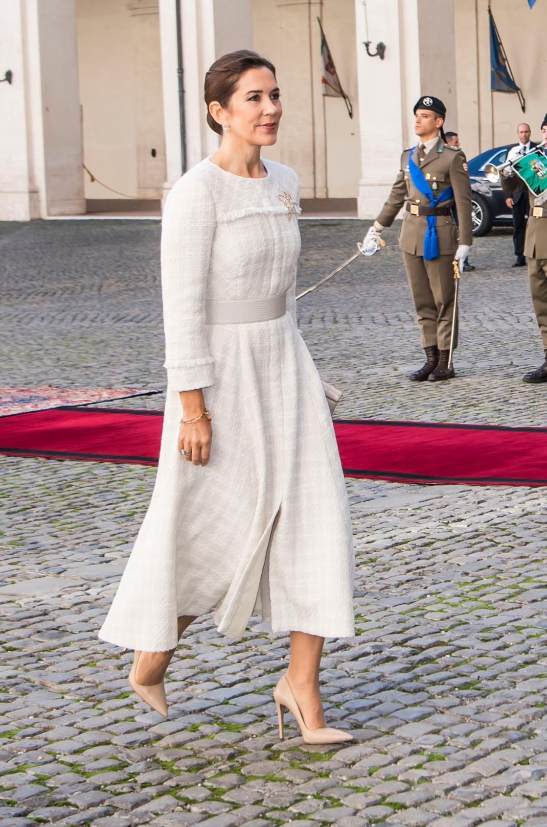 Cancion ponte tu vestido blanco