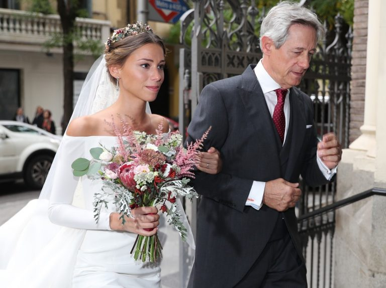 Josema Yuste casa a su hija en una boda original llena de color