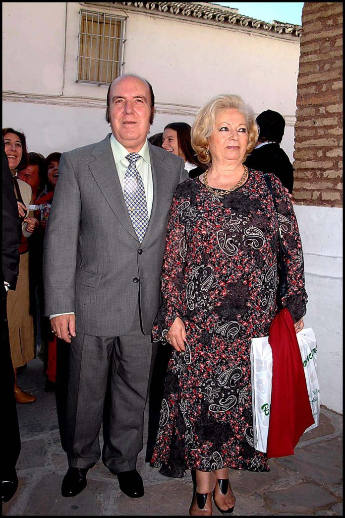 Calzada Enfrentada La Chiquito De Familia Herencia Su Por xgwzEXz