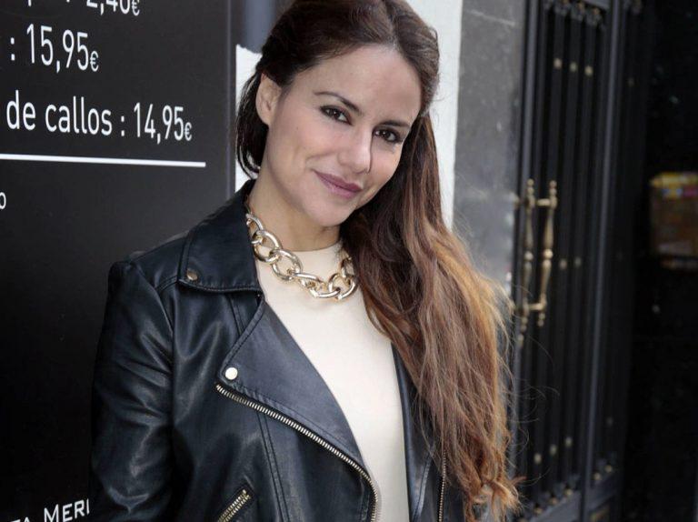 Mónica Hoyos miente sobre su currículo: no es lo mismo presentadora que azafata