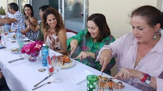 Pastora Soler, obligada a suspender su concierto en Miami tras cenar langosta con la hija de Raúl Castro
