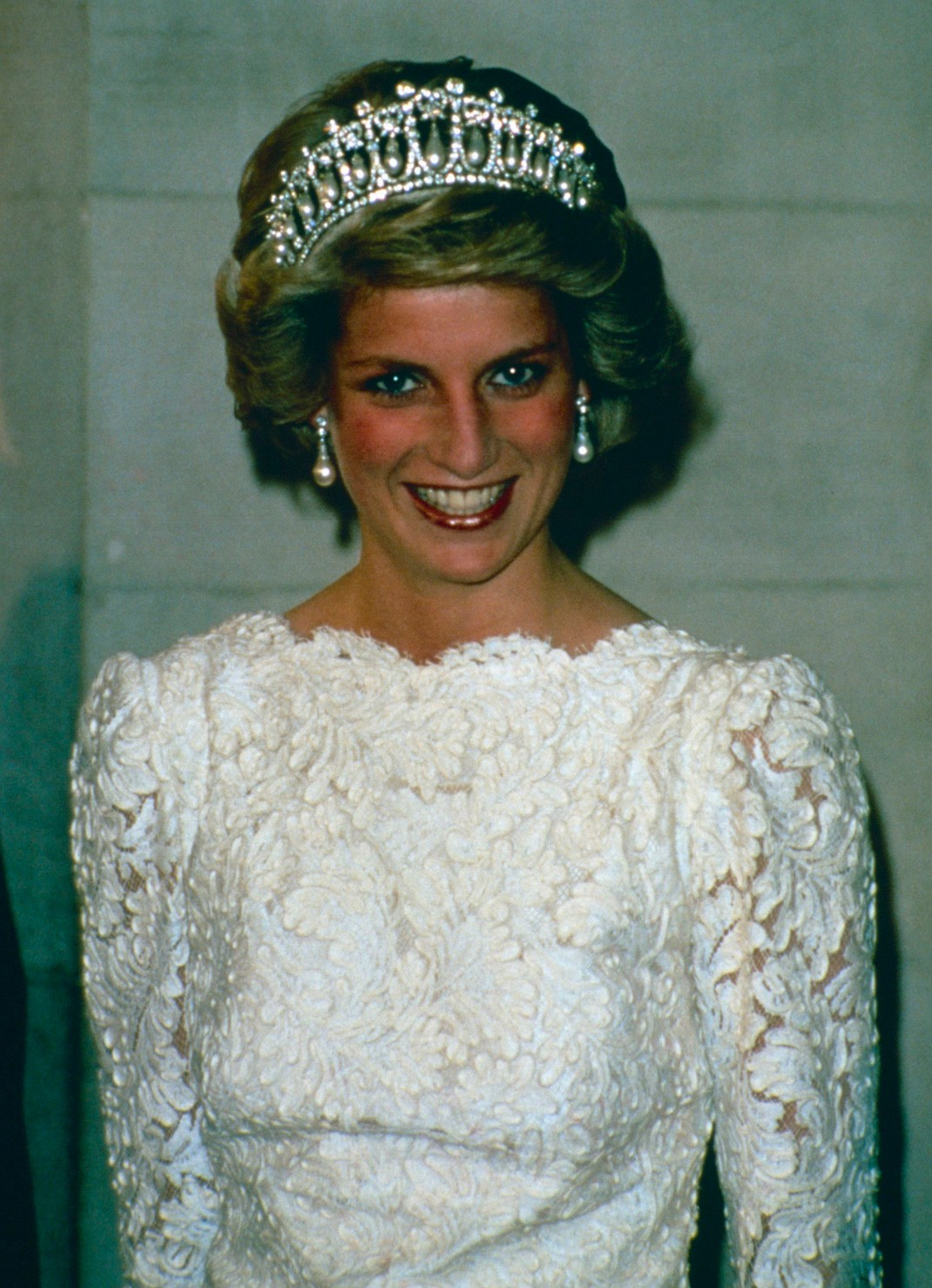 8530789a15 Kate vuelve a rendir homenaje a Lady Di con su tiara favorita