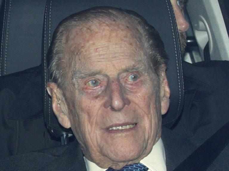 El Duque de Edimburgo pide perdón a las víctimas del accidente