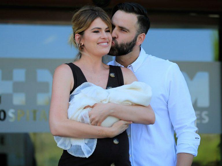 La confesión más dura de Adriana Abenia: pensó en separarse un mes después de dar a luz