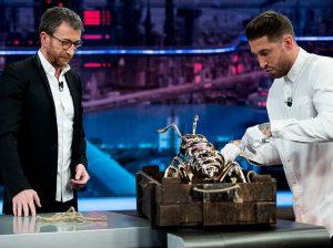 Sabemos cuánto cuesta la hormiga que Sergio Ramos le regaló a Pablo Motos (y no es nada barata)