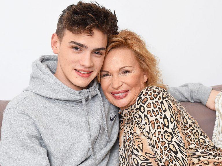 En EXCLUSIVA, Marlène Mourreau presenta por primera vez a su hijo