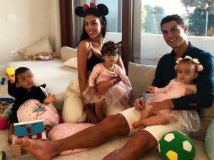"""El vídeo viral por el que acusan a Cristiano Ronaldo de """"machista"""" por sus hijos"""
