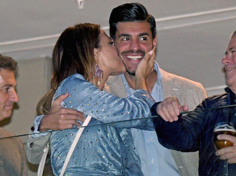 Paula Echevarría y Miguel Torres, todo amor en la Semana Santa de Málaga