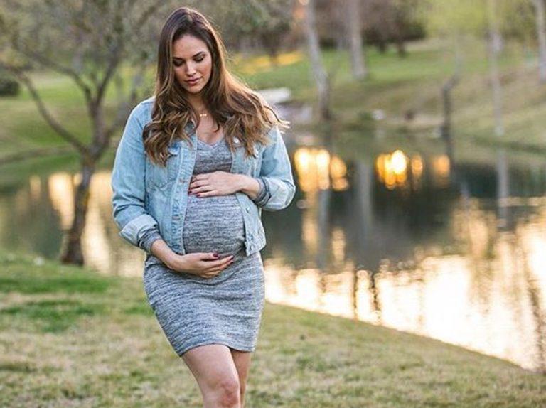 A Helen Lindes se le complica el embarazo en la recta final