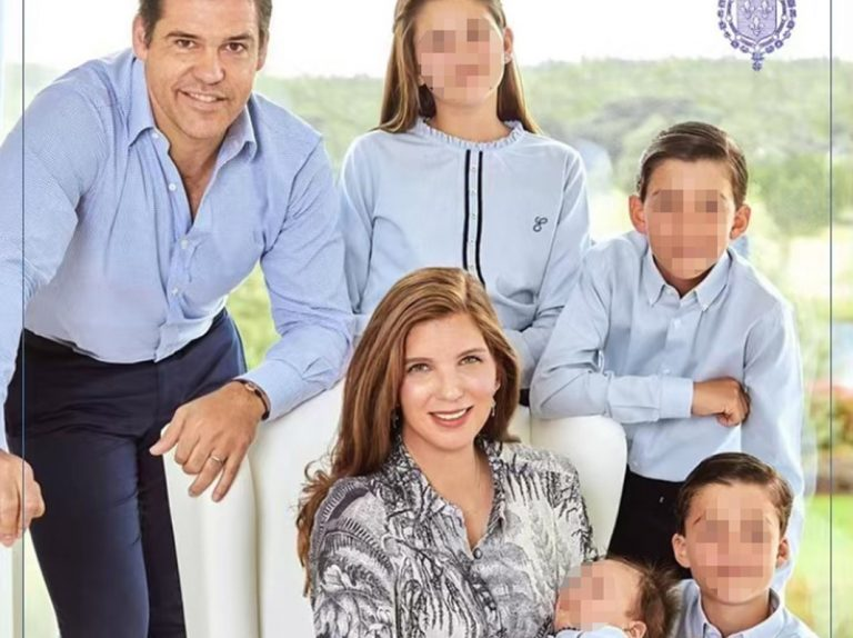 Luis Alfonso de Borbón y Margarita Vargas presentan a su cuarto hijo