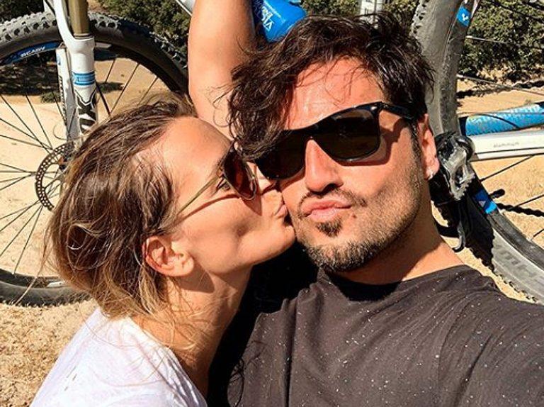 David Bustamante se pone romántico con Yana Olina y grita su amor a los cuatro vientos