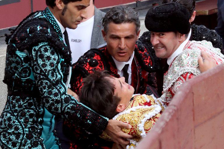 Gonzalo Caballero, el novio de Victoria Federica, sufre una grave cogida en Las Ventas