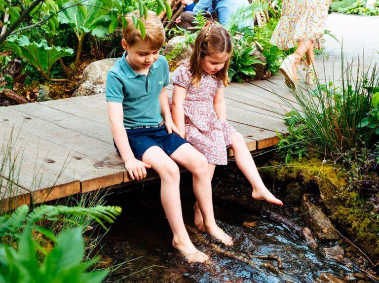 George y Charlotte de Cambridge regresan al jardín de su madre en una visita secreta
