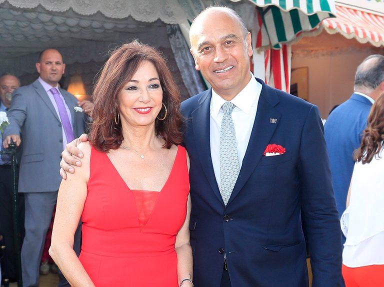 Ana Rosa Quintana y su marido, Juan Muñoz, de jarana por la Feria de Abril