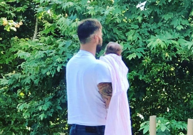 Ricky Martín comparte la primera foto con su hija Lucía