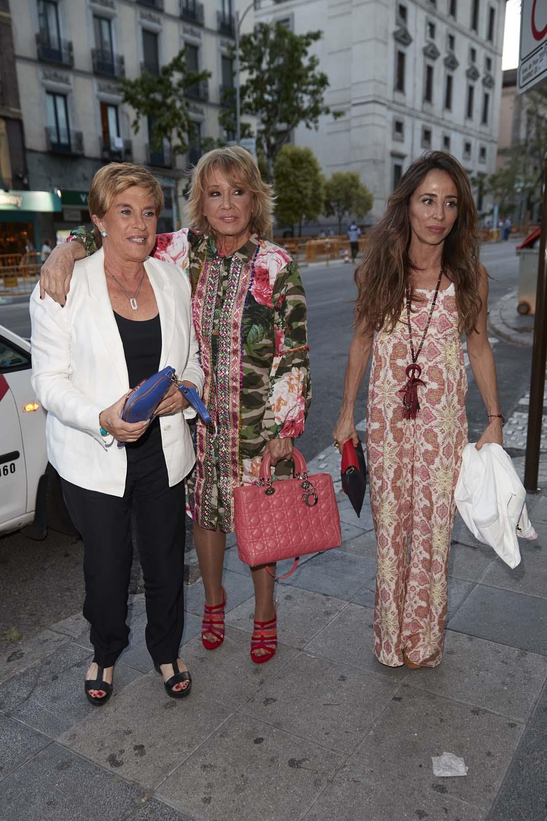 Chelo García Cortés , Mila Ximénez y María Patiño