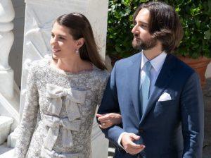 La imagen que muestra los primeros pasos de Carlota Casiraghi y Dimitri Rassam como marido y mujer