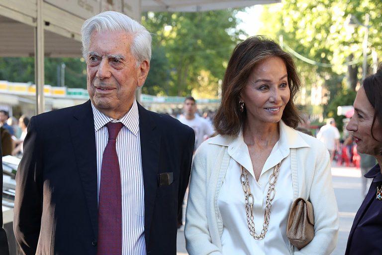 Isabel Preysler y Mario Vargas Llosa pasean su amor en la Feria del Libro