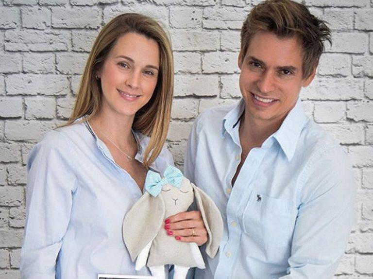 Carlos Baute y Astrid Klisans ya son padres por tercera vez
