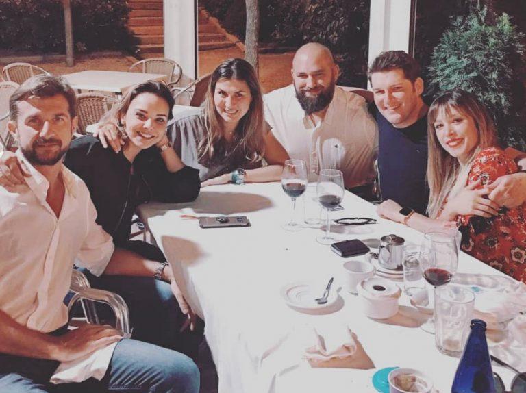 Chenoa y Miguel Sánchez disfrutan de una divertida cena con Manu Tenorio y Gisela