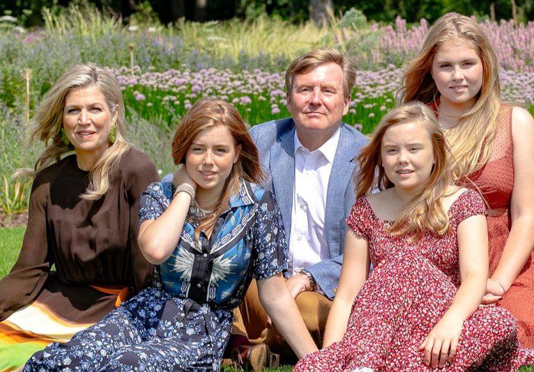 Los reyes de Holanda comienzan sus vacaciones con su tradicional posado
