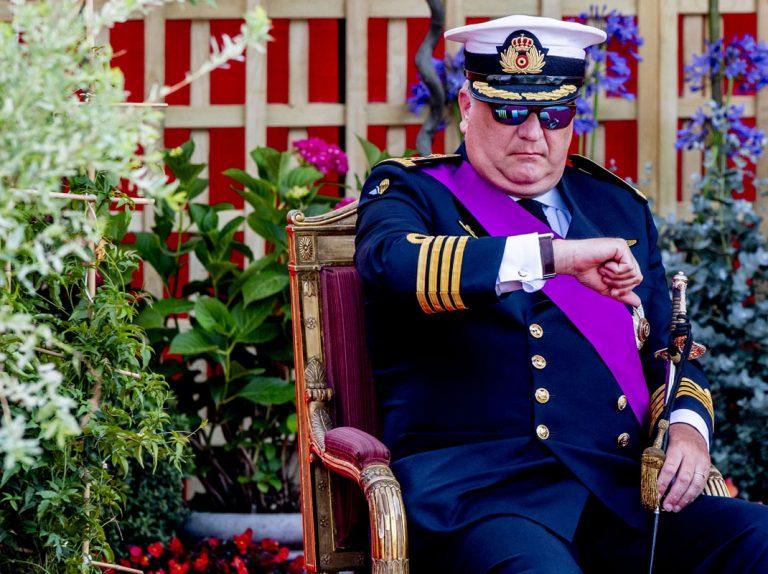 Laurent de Bélgica avergüenza a su propia familia en la Fiesta Nacional con su actitud