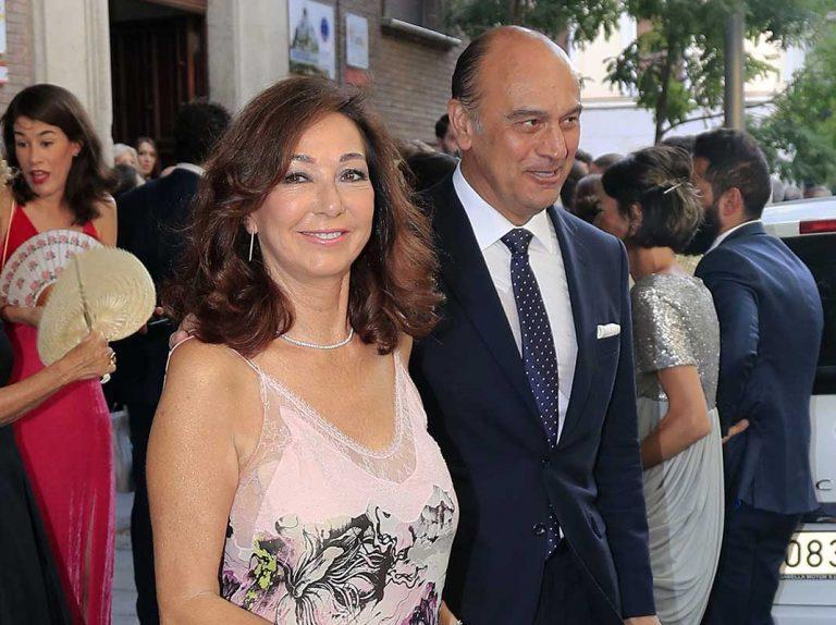 Ana Rosa Quintana estrena sus vacaciones yéndose de boda