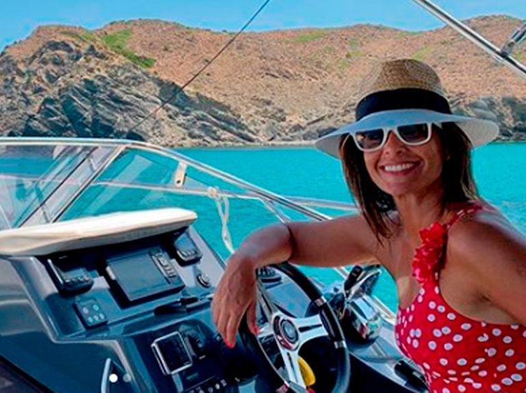 Nuria Roca alquila un lujoso yate en Menorca tras su deuda con Hacienda