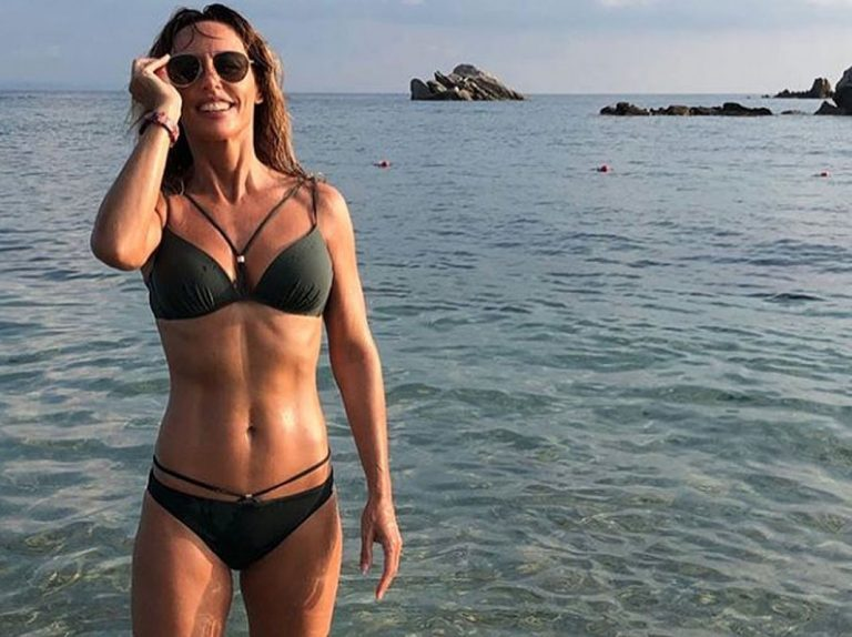 Emma García despide el verano con su posado más espectacular