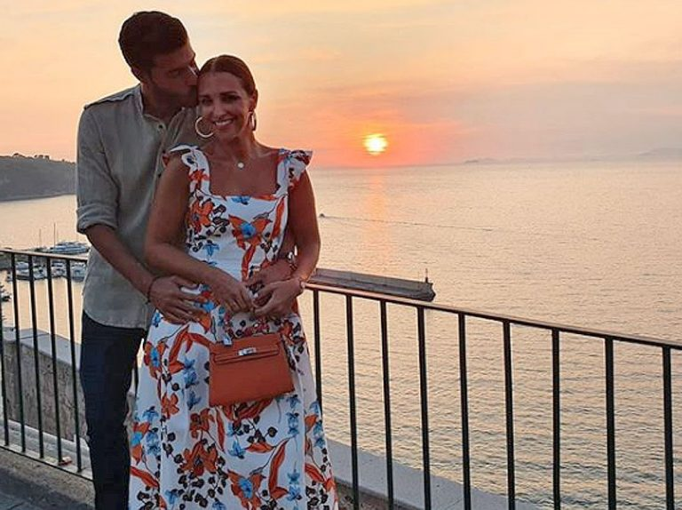 Paula Echevarría regresa de sus vacaciones: «En casa también se está muy bien»