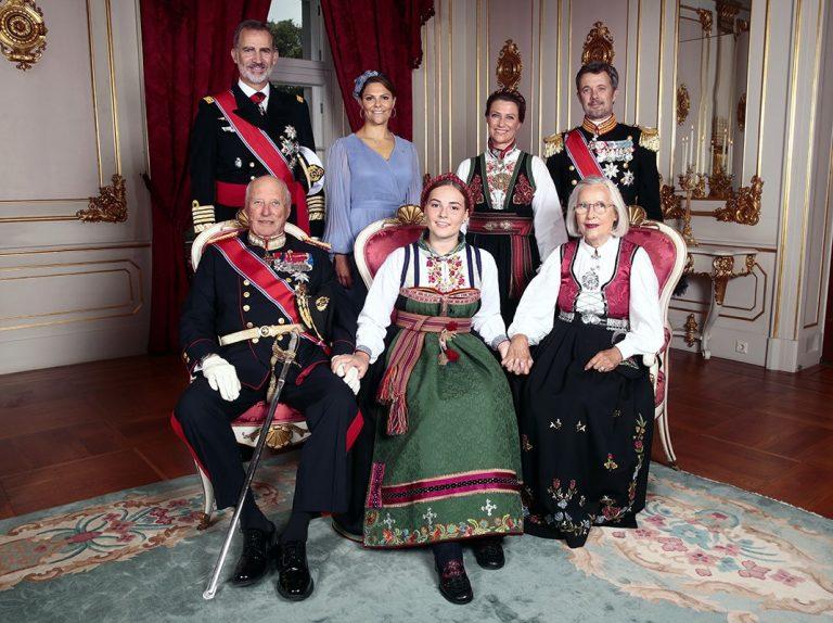 El rey Felipe asiste a la confirmación de la princesa Ingrid Alexandra de Noruega