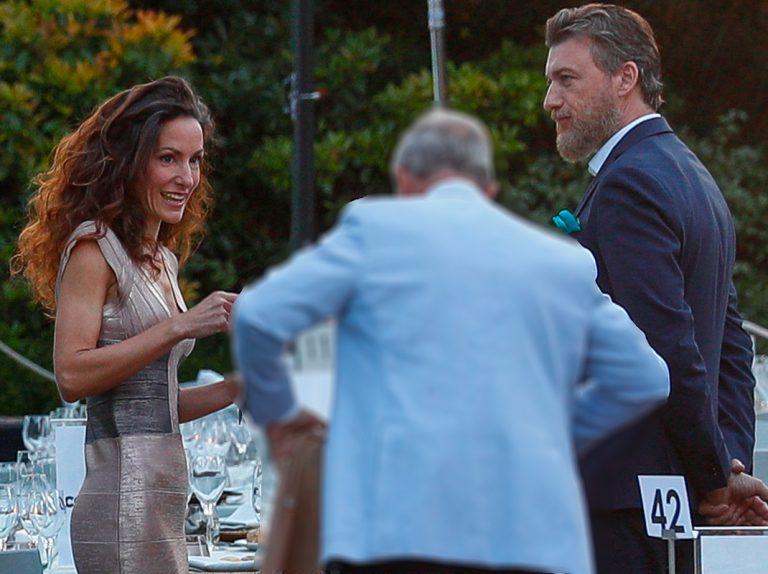 Telma Ortiz: el beso que confirma su noviazgo con un atractivo abogado irlandés