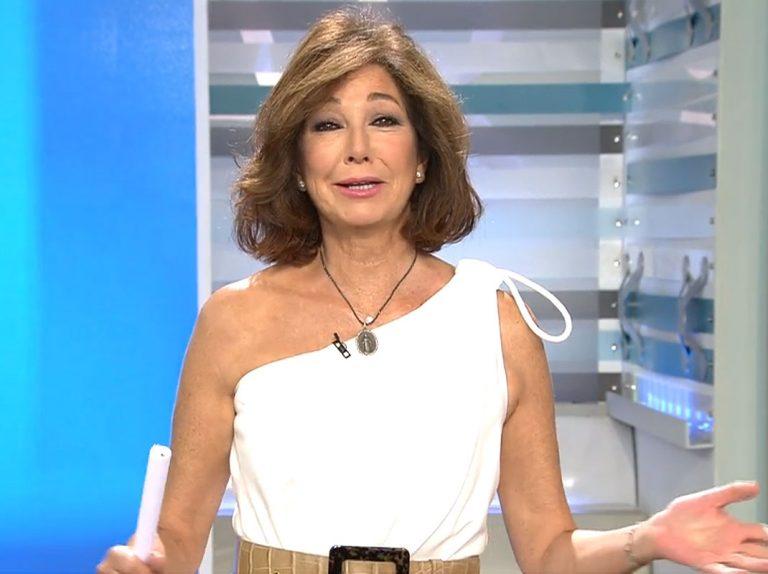 Ana Rosa Quintana vuelve al trabajo estrenando look y ¡de blanco!