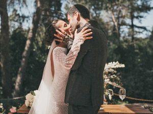 La primera foto de Melendi y Julia Nakamatsu como marido y mujer