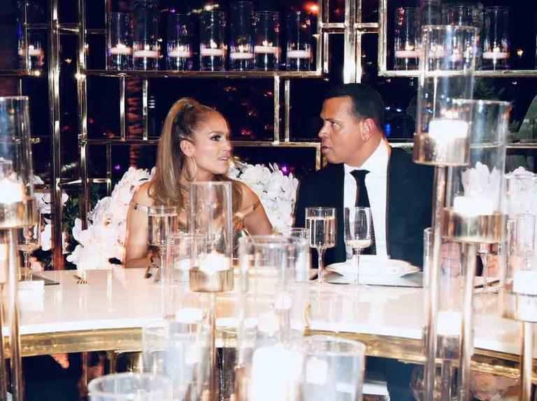 Jennifer López sorprende al mundo y se viste de novia mucho antes de lo previsto