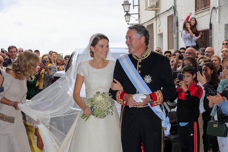 La hija de José María Michavila, Irene, se ha casado en Candeleda