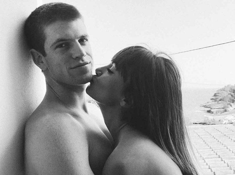 Aitana comparte las fotos más sensuales (y nunca vistas) junto a Miguel Bernardeau