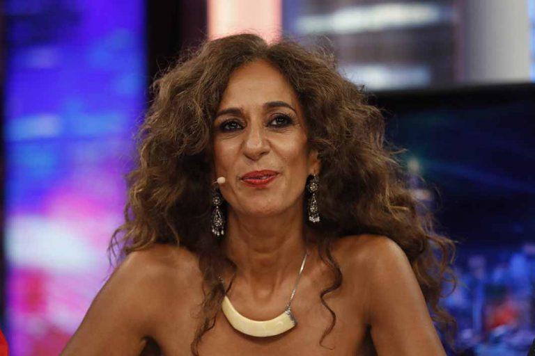 Rosario Flores repasa su álbum familiar de fotos en su 56 cumpleaños