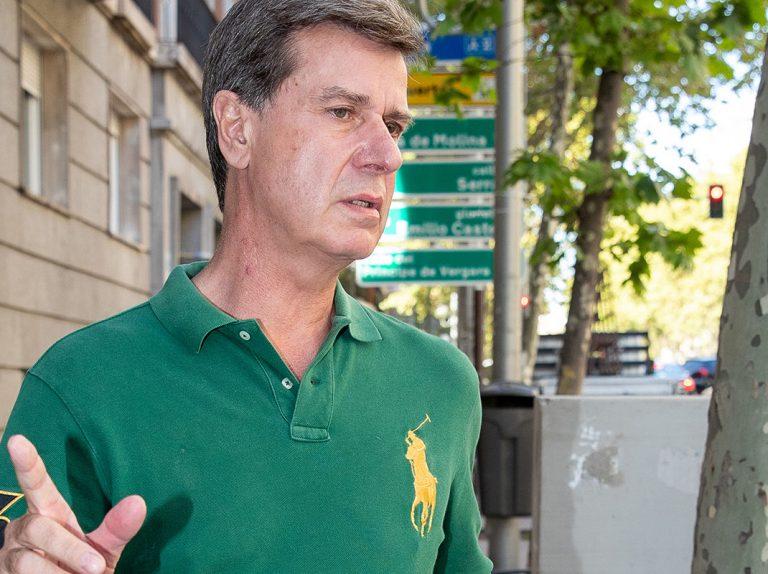 Cayetano Martínez de Irujo habla de la boda de su sobrino y deja al Gobierno tiritando con su feroz crítica