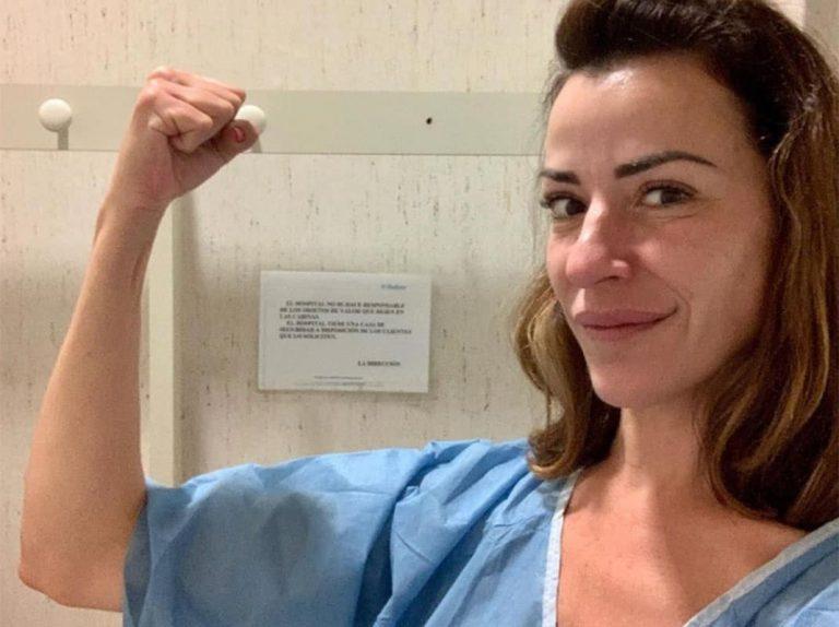 Inés Sáinz comienza su tratamiento contra el cáncer de mama con mucho humor