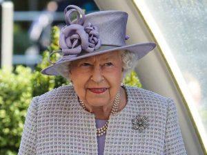 Las redes sociales matan a la Reina Isabel II