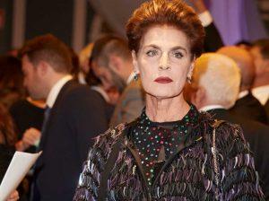 Antonia Dell' Atte se destroza la mandíbula con una sombrilla: «ahora soy un monstruo»