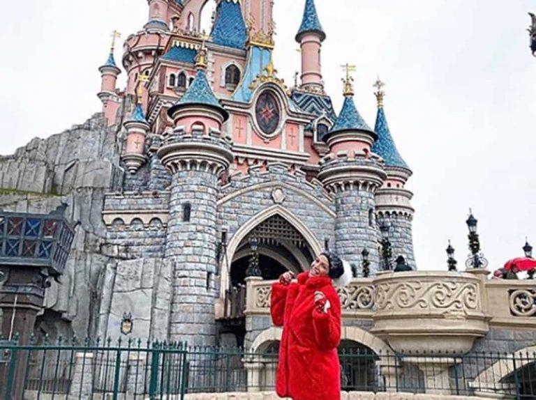 Fotos del día: Tamara Gorro, viaje en familia a Disneyland París