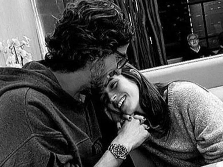 Fotos del día: Feliciano López y Sandra Gago, complicidad y amor durante una cena romántica