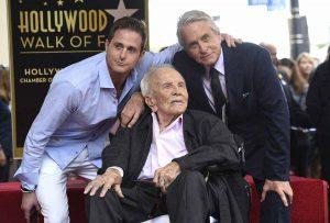 Kirk Douglas cumple 103 años: el patriarca de un clan marcado por las drogas