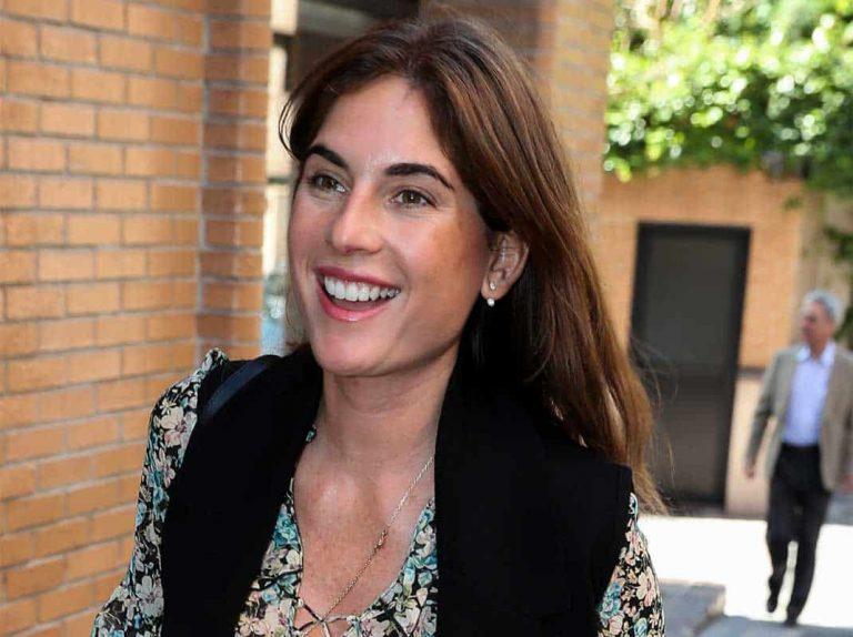 """Lourdes Montes, 'destronada' en la familia cuando llega Navidad: """"Antes era yo quién adornaba la casa ahora lo hace Carmen"""""""