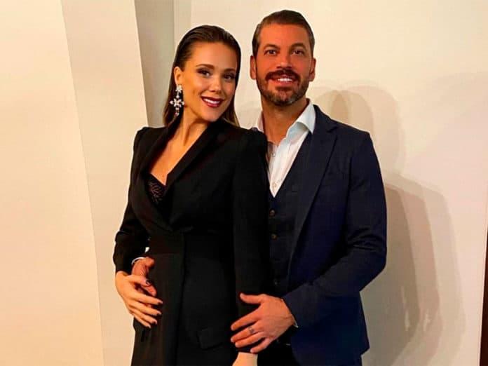 René Ramos, Lorena Gómez
