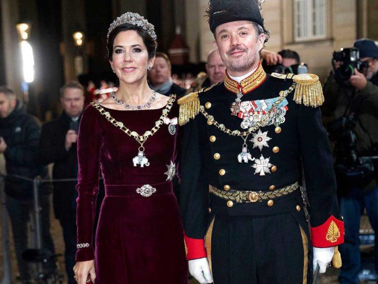 Mary de Dinamarca, la primera 'royal' en volver al trabajo por Año Nuevo