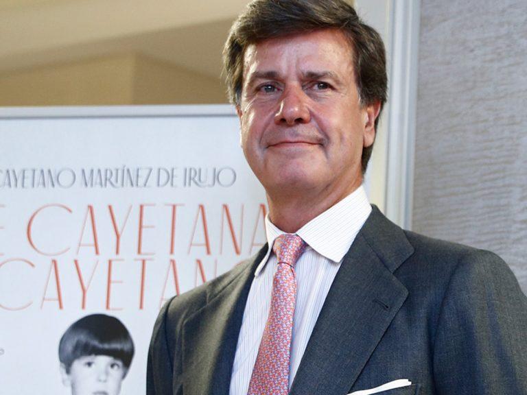 Cayetano Martínez de Irujo ni perdona ni olvida que sus hermanos no estuvieran con él en su última operación